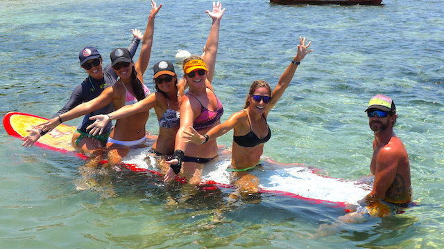 SUP Yoga Fun on the water - Bali Sanur - SUP Yoga Retreat
